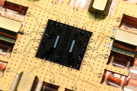 A superconducting metamaterial chip mounted into a microwave test package