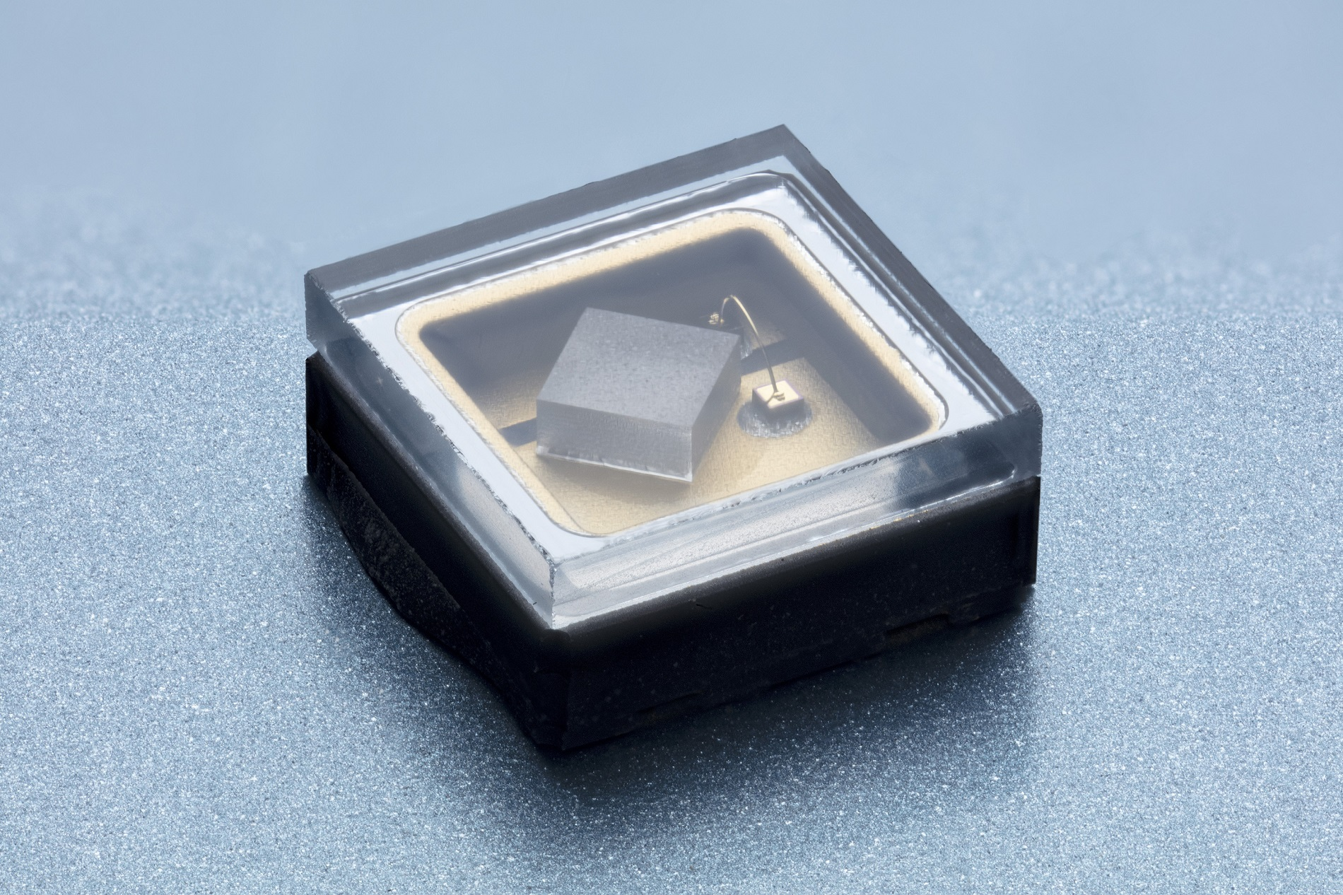 High-power 310 nm UV LED in AlN package