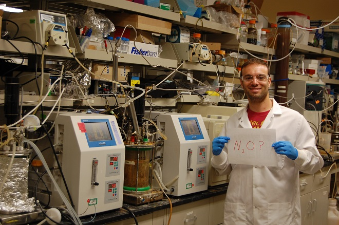 Yaniv Scherson searches for nitrous oxide in a Stanford lab