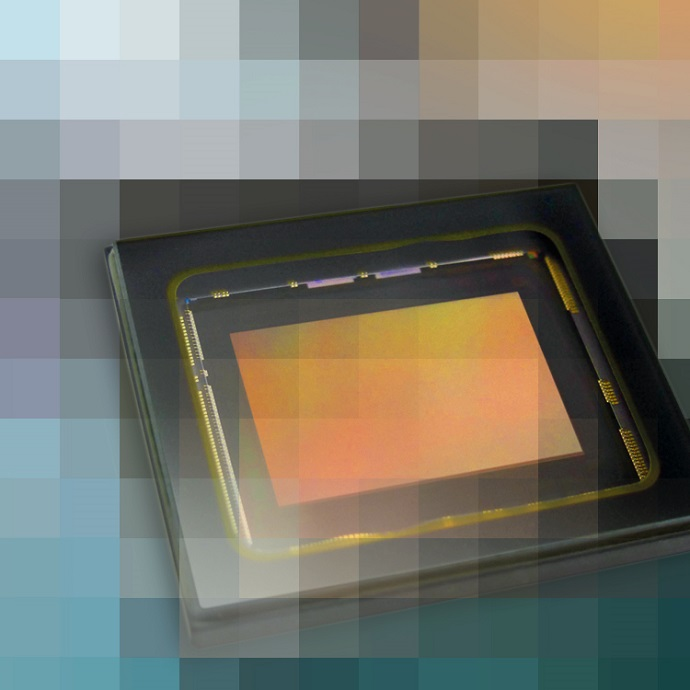 High-Resolution CMOS Image Sensors with a 3 45 µm Pixel and