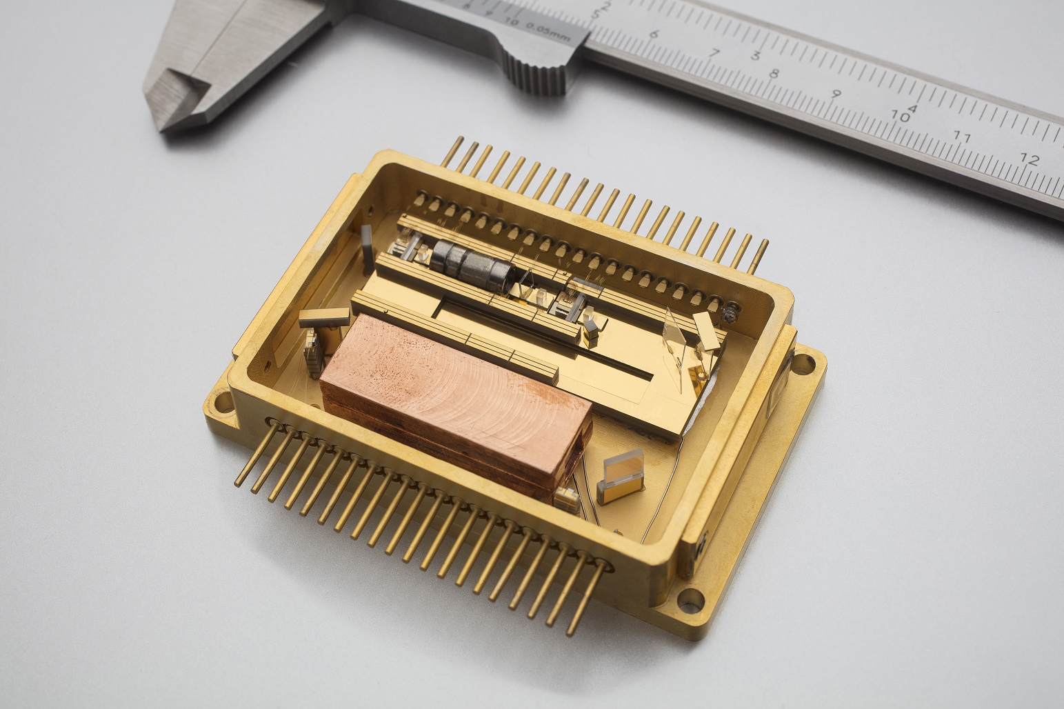 Compact laser module with outstanding frequency stabilization